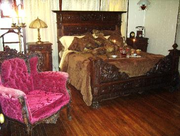 The most Romantic bed breakfast in Dallas area! Comfortable King size bed with private bathroom